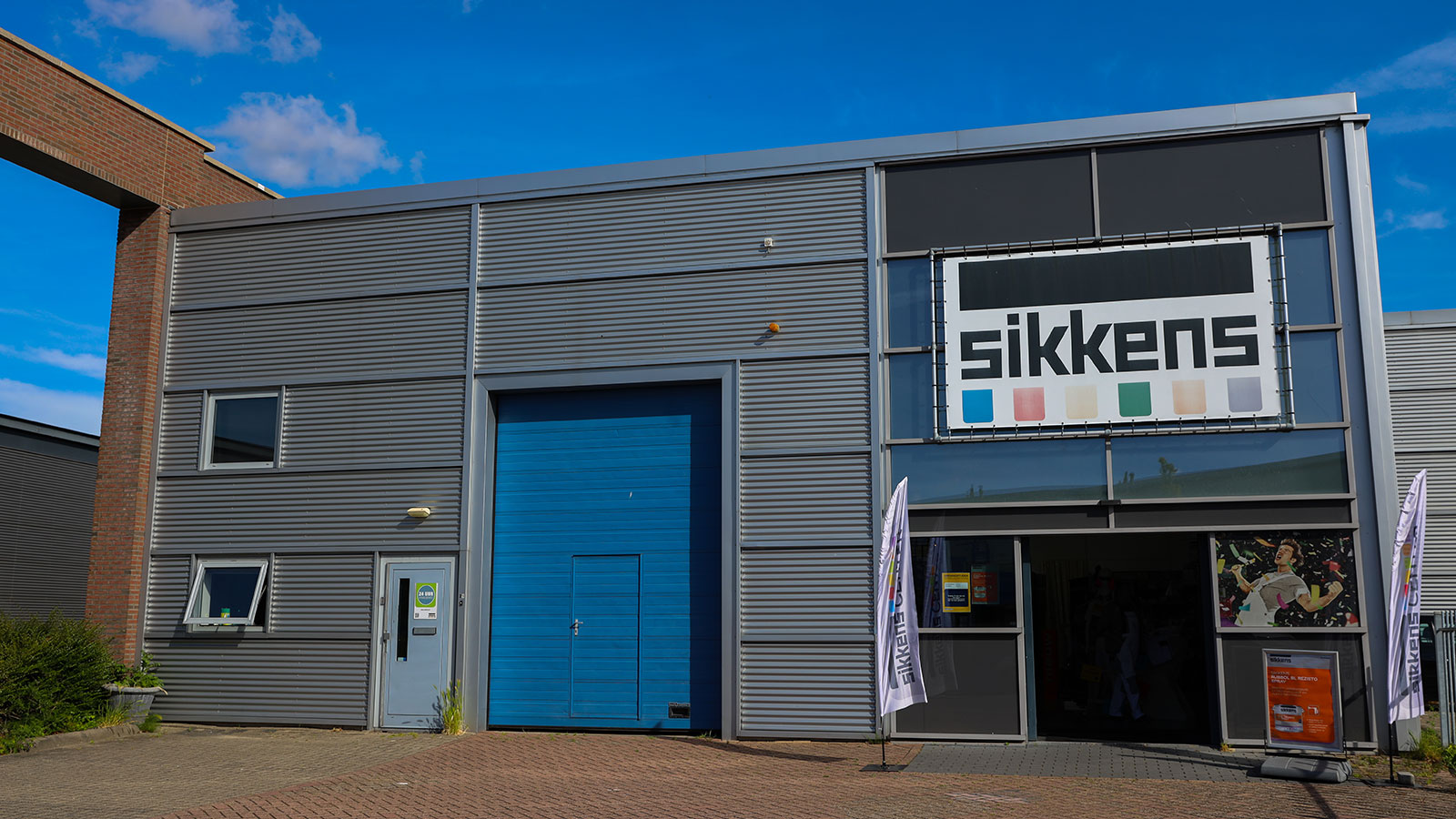 uploads/images/3d97fea1-97bc-4c1b-857d-824a05651f10/Stores/Sikkens-Center-Hendrik-Ido-Ambacht.jpg